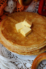 Pancakes with butter .