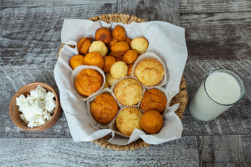 Cheese Muffins with Milk