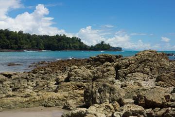 plage rocheuse du Costa Rica - Manuel Antonio