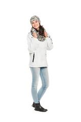 Junge Frau winterlich gekleidet