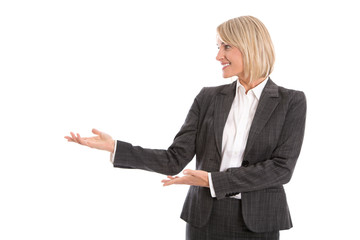 Geschäftsfrau präsentiert mit Ihren Händen; Portrait isoliert