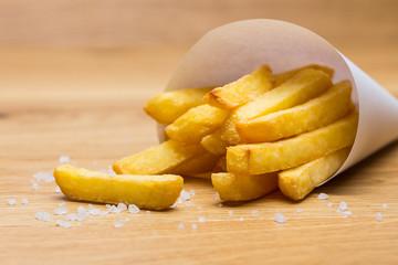 Pommestüte fritten mit salz
