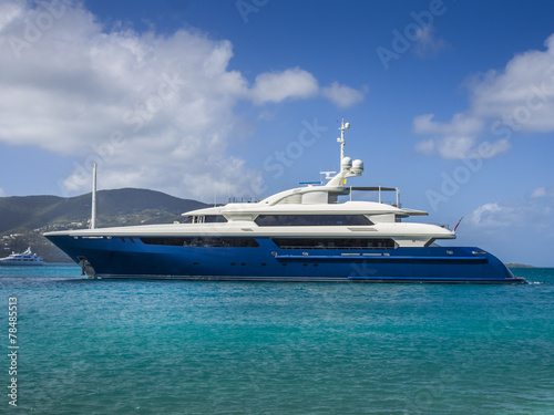 Foto op Aluminium Jacht A large private motor yacht under way out at sea