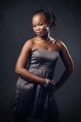 jeune femme noire glamour