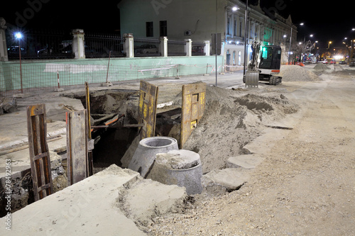 Hydro construction work, reconstruction of sewerage, night photo - 78492963