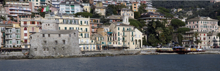 Rapallo, panoramica con castello