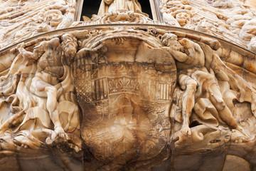 Alabasterportal eines historischen Palastes in Valencia, Spanien