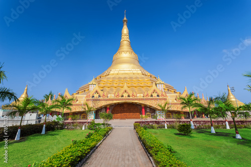 Staande foto India Global Vipassana Pagoda