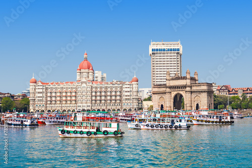 canvas print picture Taj Mahal Hotel and Gateway of India