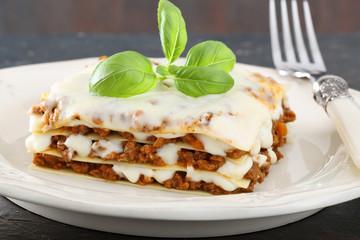 pasta lasagne con salsa di carne