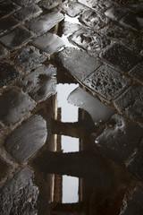 Firenze,strada bagnata,riflesso.
