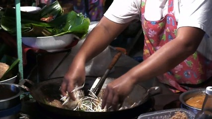 Cooking, fried noodles with eggs, omelet, Asian food