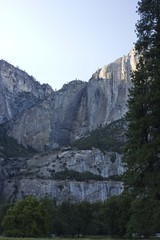 Scenic view of El Capitolio rock formation in Sierra Nevada