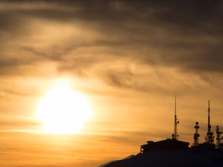 夕日と電波塔