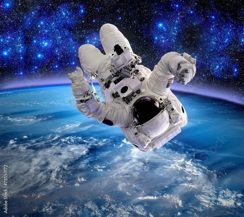 Astronaut Relax Upside Down - 78550172