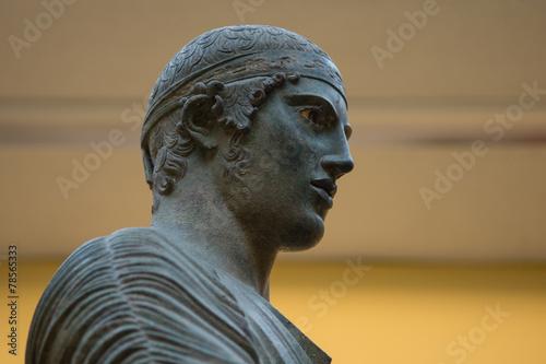 Leinwanddruck Bild Charioteer of Delphi