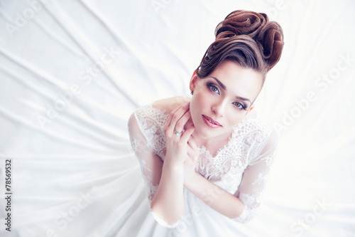 Fototapeta Closeup portrait of young gorgeous bride
