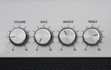 Mixer knobs of an amplifier