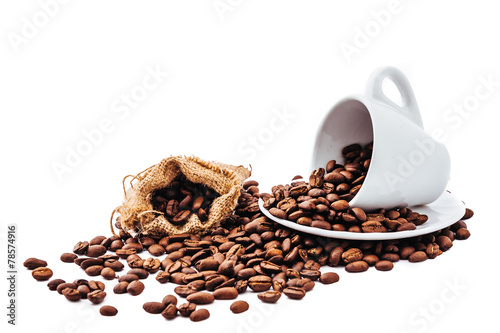 Fotobehang Cafe white cup with coffee beans isolated