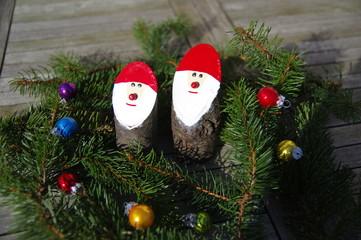 Bastelarbeit Weihnachtsmänner 4