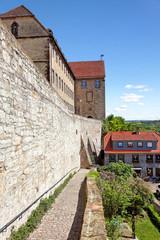 Stadtmauer und Gymnasium Marianum, Warburg