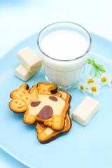 Kuhkekse und Milch