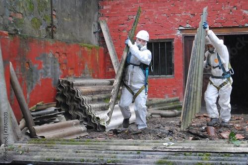 Leinwanddruck Bild Trabajadores de amianto