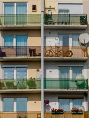 Balkone in einem Wohnhaus