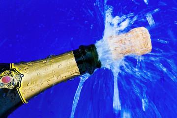 Korken und Champagnerflasche