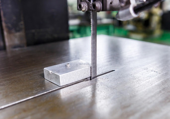 saw for cutting aluminum