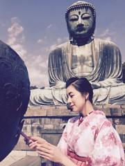 girl in kimono at kamakura