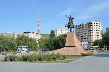 Ереван, памятник Вардану Mамиконяну