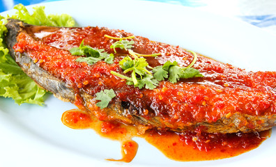 Fried King mackerel with red chili sauce