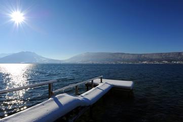 Pontoon in winter