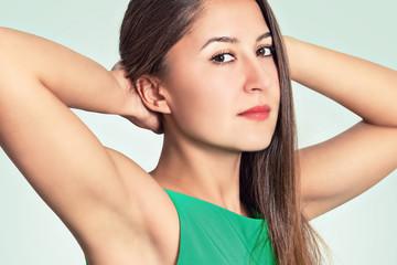 Портрет красивой молодой женщины