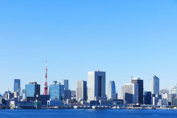 東京タワーと高層ビル群