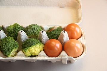 Huevos y brocoli
