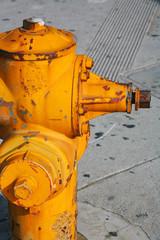 アメリカのカラフルな消火栓  outdoor fire hydrant USA
