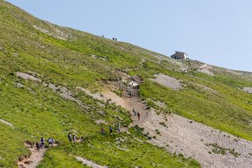 Escursionisti verso Rifugio Zilioli