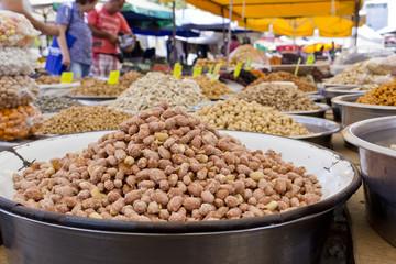 peanuts on market