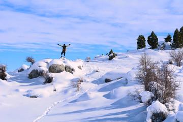 karlı dağlarda zirve başarısı