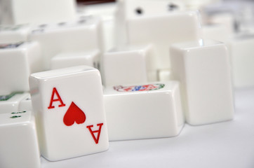 Mahjong set with red Ace