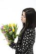canvas print picture - Schöne junge Mädchen mit Tulpen