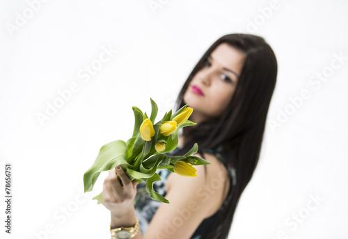 canvas print picture Schöne junge Mädchen mit Tulpen