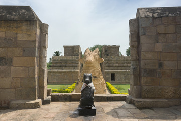 The two Nandi statues at Gangaikunda Temple.