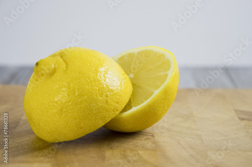 canvas print picture Zitrone halbiert