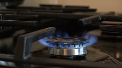 4k close up on a stoves hob