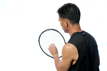 Straightening the strings of the tennis racquet