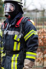 Feuerwehrmann mit Einsatzkleidung