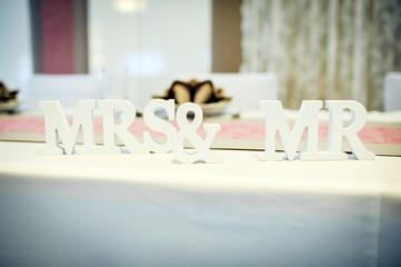 Mrs & Ms Hochzeitstisch